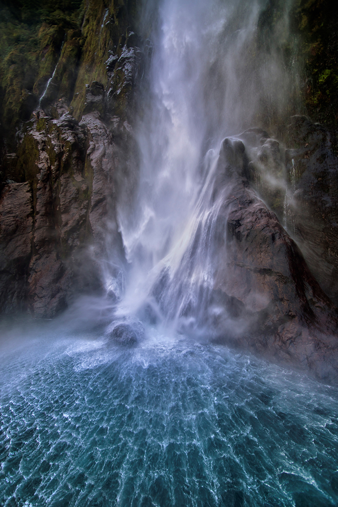 Photo Wallpaper Stirling Falls Along Milford Sound
